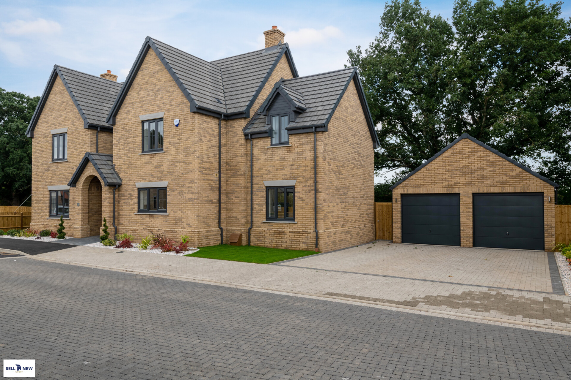 Plot 9 Hayfield close, Flitton MK45 5DR – Stunning 6/7 bedroom detached family home