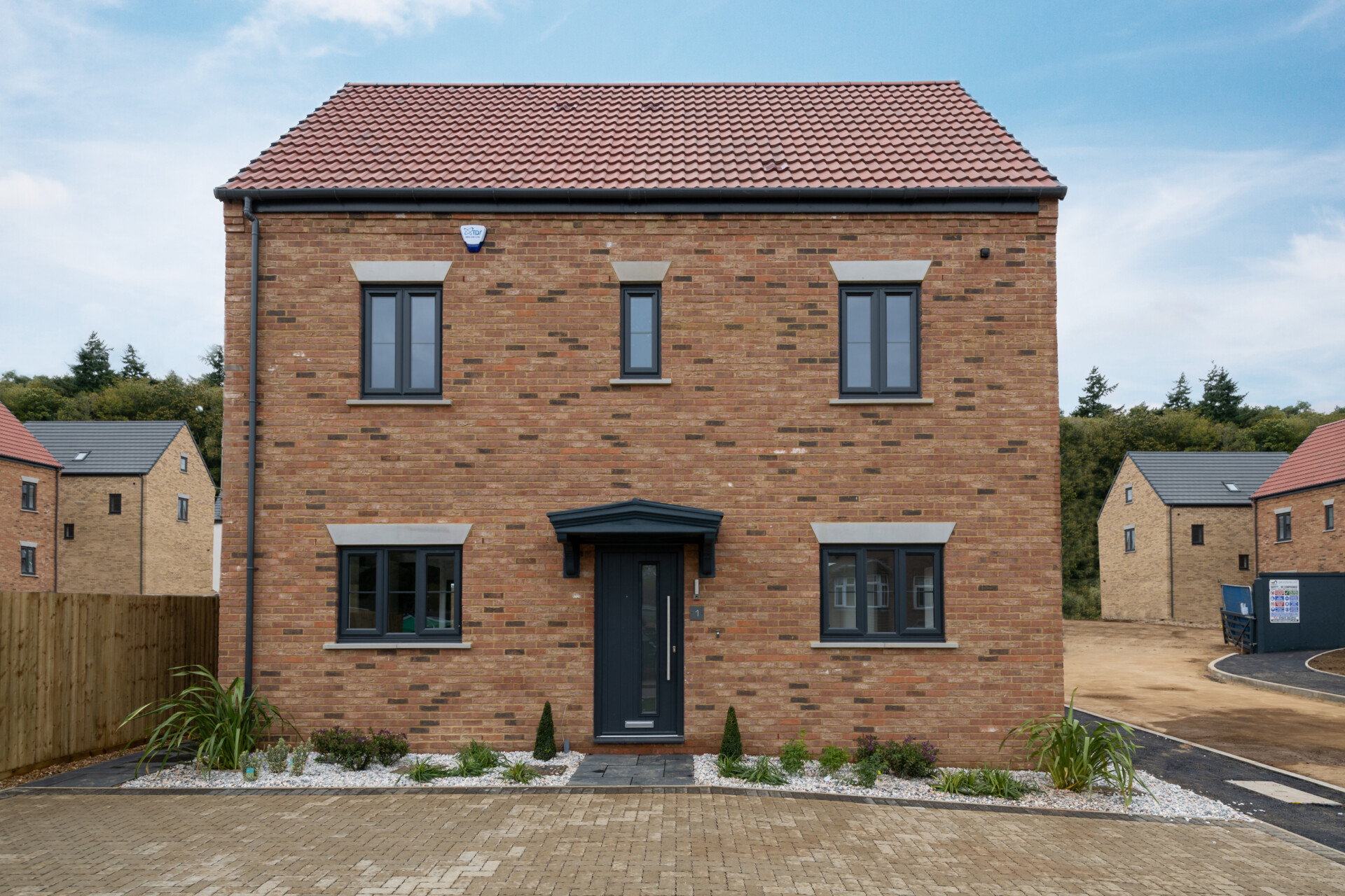**HELP TO BUY AVAILABLE** 1 Woodland Gardens, Maulden – Stunning 4 bedroom 2.5 Storey House ready now!