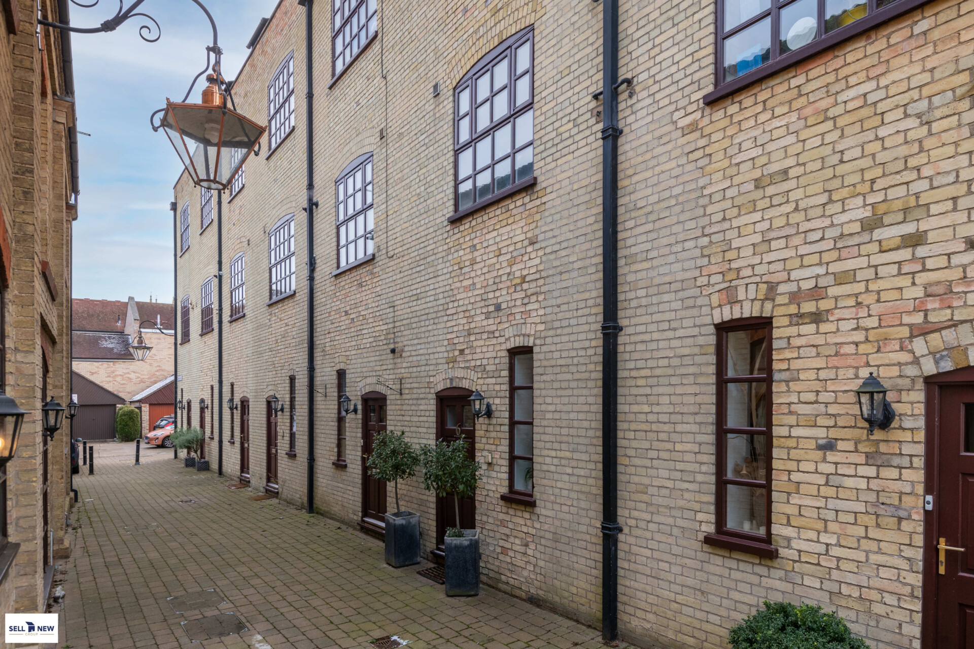 6 Bowers Mill St Neots PE19 2AG – Stunning four double bedroom town house with views across Marina and Riverside park