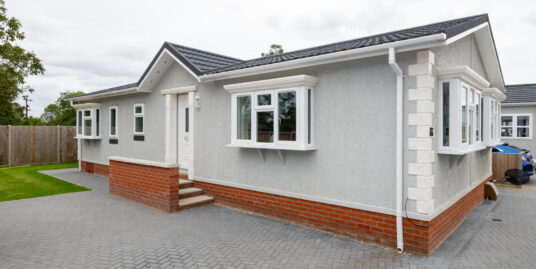 38 Constellation Park Elsworth – Show home condition two bedroom Regency 46 x20