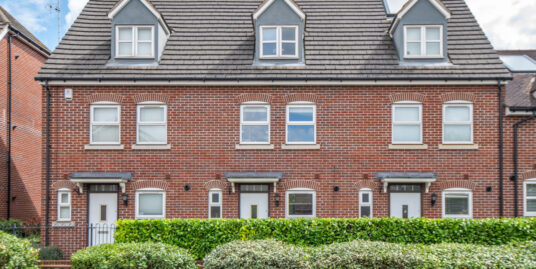 8 South Road, Baldock SG7 – Stunning three double bedroom terraced home